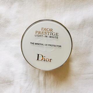 Christian Dior - Dior PRESTIGE LIGHT-IN-WHITE UVミネラルコンパクト