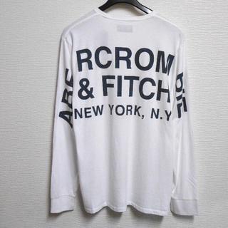 アバクロンビーアンドフィッチ(Abercrombie&Fitch)のアバクロ/US:XXL/ホワイト/バックプリントロゴ長袖Tシャツ(Tシャツ/カットソー(七分/長袖))