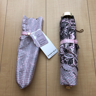 カルヴェン(CARVEN)の【新品・タグ付き】CARVEN 折り畳み傘(傘)