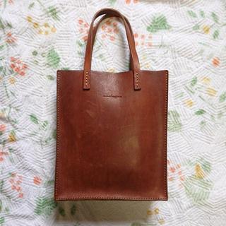 ヘルツ(HERZ)の極美品 analogico 革袋トートS マローネ(トートバッグ)