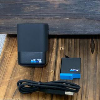 ゴープロ(GoPro)のGopro 純正品 AJDBD-001-AS デュアルチャージャー(ビデオカメラ)