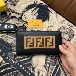 FENDI - 送料込み FENDI  長財布