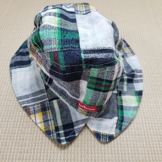 HOT BISCUITS - ミキハウス、ホットビスケッツ 帽子 ダンガリー風 水色緑系チェック リバーシブル