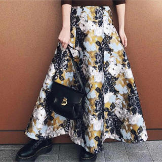 アメリヴィンテージ(Ameri VINTAGE)のAmeri  ABSTRACT FLOWER MERMAID SKIRT(ロングスカート)
