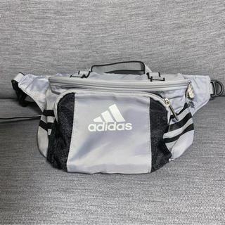 アディダス(adidas)のアディダス  adidas ウエストポーチ☘(ボディバッグ/ウエストポーチ)