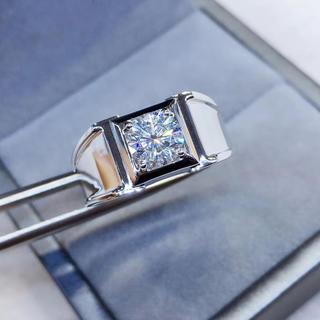 【1カラット 】輝く モアサナイト  ダイヤ メンズ リング K18WG(リング(指輪))