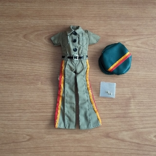 タカラトミー(Takara Tomy)のリカちゃん[ミリタリーな服と帽子とゴールドピアス]タカラトミー(キャラクターグッズ)