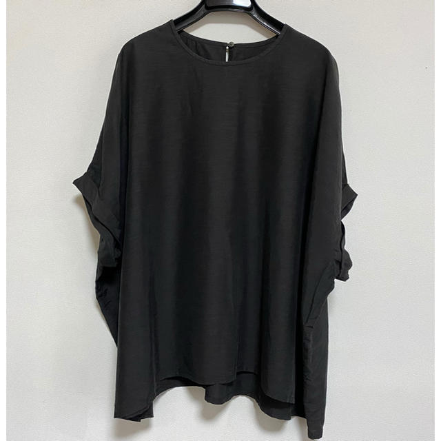 FRAMeWORK(フレームワーク)のFRAMeWORK タフタワイドブラウス フレームワーク ブラック ブラウス レディースのトップス(シャツ/ブラウス(半袖/袖なし))の商品写真