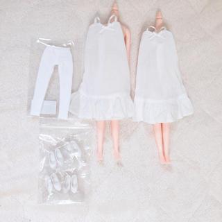 人形 ボディ、服セット