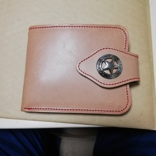 レッドクロウ  ヌメ革 二つ折り財布ウォレット 新品(折り財布)