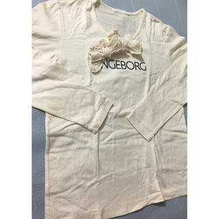 INGEBORG - インゲボルグ ロゴとリボンのカットソー