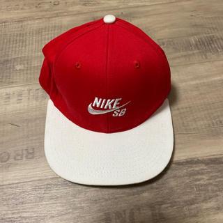 ナイキ(NIKE)のNIKESB キッズ キャップ レッド ホワイト フリー(帽子)