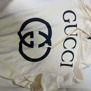 グッチ(Gucci)のGUCCIパーカー 白 Mサイズ(パーカー)