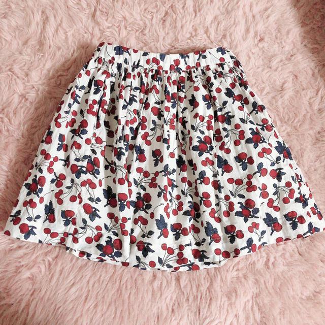 Bonpoint(ボンポワン)の美品 bonpoint チェリー スカート 4a キッズ/ベビー/マタニティのキッズ服女の子用(90cm~)(スカート)の商品写真