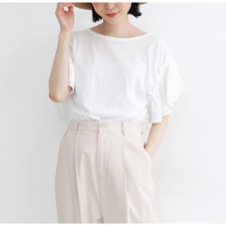 メルロー(merlot)のタグ付き新品 merlot シフォン袖フリルTシャツ 白 カットソー(Tシャツ(半袖/袖なし))