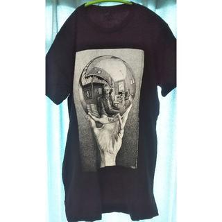 シュプリーム(Supreme)の【新品】M.C.Escher 1935年作品「写像球体を持つ手」(Tシャツ/カットソー(半袖/袖なし))