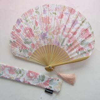 Francfranc - 新品⑅︎୨୧Francfranc 花柄扇子 定価3200円⑅︎୨୧ ピンク系