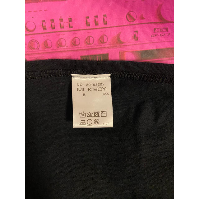MILKBOY(ミルクボーイ)のMILKBOY ミルクボーイ サウンド Tシャツ ブラック ピンク  メンズのトップス(Tシャツ/カットソー(半袖/袖なし))の商品写真