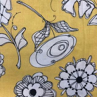 ロラライハリス Paper Posies 黄色 45cm 1点のみ(生地/糸)