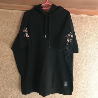 Avail - 4L AZUL半袖刺繍ドルマンパーカー
