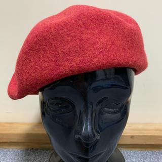 ヴィヴィアンウエストウッド(Vivienne Westwood)のヴィヴィアンウエストウッド オーブ刺繍 ベレー帽 赤(ハンチング/ベレー帽)