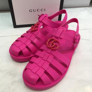 グッチ(Gucci)の☆新品☆GUCCI ラバーサンダル チルドレンズ ピンク サイズ約20cm(サンダル)