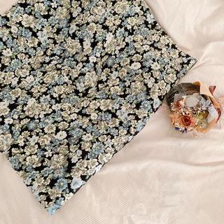 ウィルセレクション(WILLSELECTION)のWILL SELECTION  台形 ミニスカート 花柄 刺繍(ミニスカート)