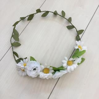ウィゴー(WEGO)の花かんむり(カチューシャ)