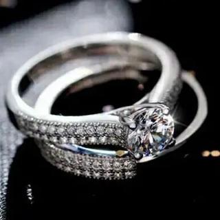 セール『双子の天使』スワロフスキー 2点ジェム 清楚♡ クリスタルリング 指輪