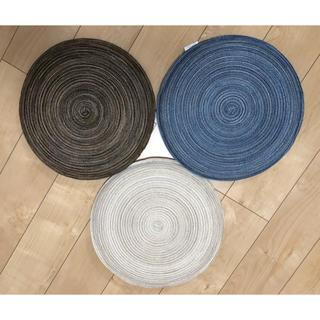 ニトリ(ニトリ)の座布団   ニトリ   3枚セット  美品(クッション)