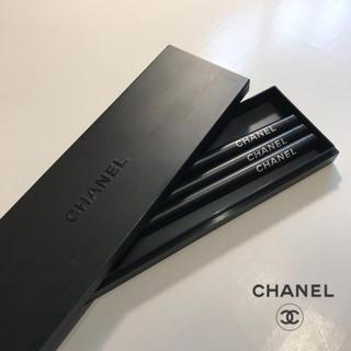 シャネル(CHANEL)の【みい様 専用】非売品 CHANEL ノベルティ 鉛筆3本 & ペンケースセット(ペン/マーカー)