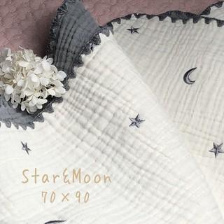 星と月ブルーグレー刺繍6重ガーゼケット おくるみ  韓国イブル  70× 90