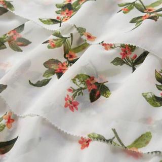 アバクロンビーアンドフィッチ(Abercrombie&Fitch)の花柄 ブラウス(シャツ/ブラウス(半袖/袖なし))