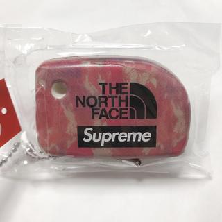 シュプリーム(Supreme)のsupreme the north face keychain(キーホルダー)