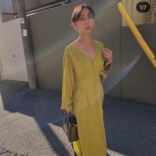 Ameri VINTAGE - ameri vintage TUCK SHAPE DRESS イエロー  S