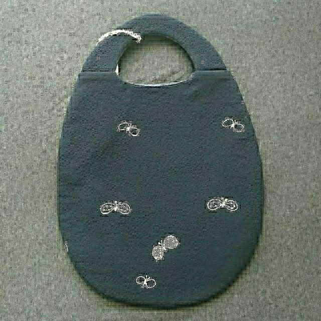 mina perhonen(ミナペルホネン)のミナペルホネン エッグバッグ choucho mina perhonen  レディースのバッグ(ハンドバッグ)の商品写真