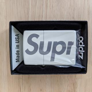 シュプリーム(Supreme)のsupreme Glow-in-the-Dark Zippo®(タバコグッズ)