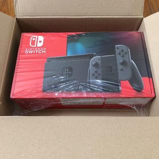 ニンテンドウ(任天堂)の【新品未開封】Nintendo Switch 本体 グレー 新型(家庭用ゲーム機本体)