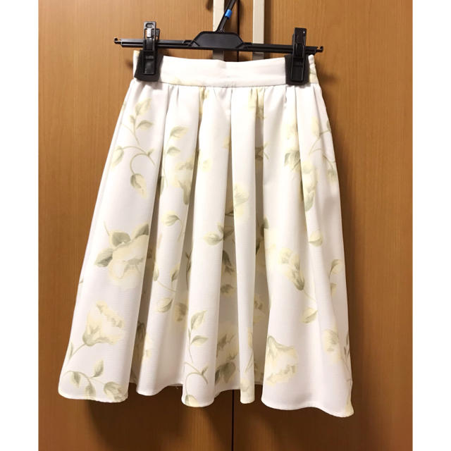 MERCURYDUO(マーキュリーデュオ)のマーキュリー ❁  花柄スカート レディースのスカート(ひざ丈スカート)の商品写真