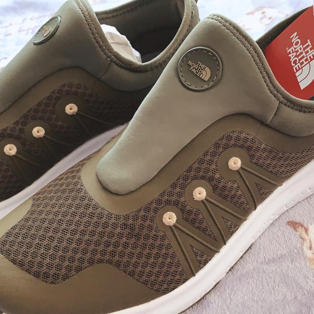 THE NORTH FACE(ザノースフェイス)のザ・ノースフェイス 靴(NF51842) 人気色 (オリーブグリーン) メンズの靴/シューズ(その他)の商品写真