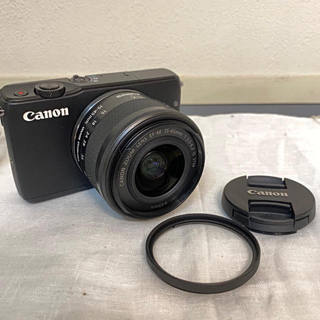 Canon(キヤノン)のCANON EOS M10 ブラック レンズ付き 付属品多数 スマホ/家電/カメラのカメラ(ミラーレス一眼)の商品写真