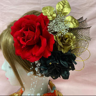 可愛い赤薔薇&ゴールドローズ髪飾り 成人式 前撮り 結婚式髪飾り(振袖)