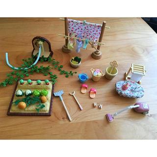シルバニア  家具や遊具や人形 ドールハウス