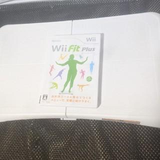 ウィー(Wii)のwiifit ボードセット(家庭用ゲームソフト)