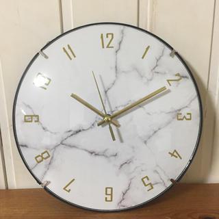 【新品・送料無料】大理石調文字盤  クオーツ壁掛け時計  静かなスイープ秒針(掛時計/柱時計)