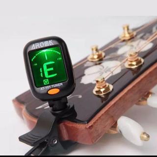 新品 軽量 AROMA クリップ式ギターチューナー(電池入り)(アコースティックギター)