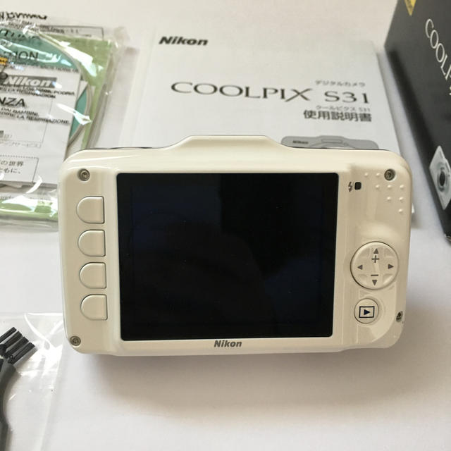 Nikon(ニコン)のcoolpix s31 スマホ/家電/カメラのカメラ(コンパクトデジタルカメラ)の商品写真