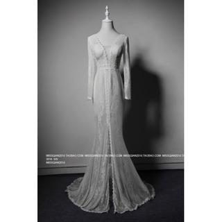 エレガント イブニングドレス ホワイト 繊細レース 長袖 深Vネック 優雅なシル(ウェディングドレス)