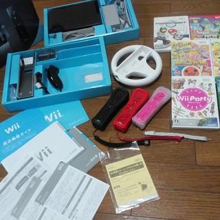 ウィー(Wii)のWii本体1式+リモコン3本+ハンドル操作+ソフト7本+説明書 全部まとめて(家庭用ゲーム機本体)