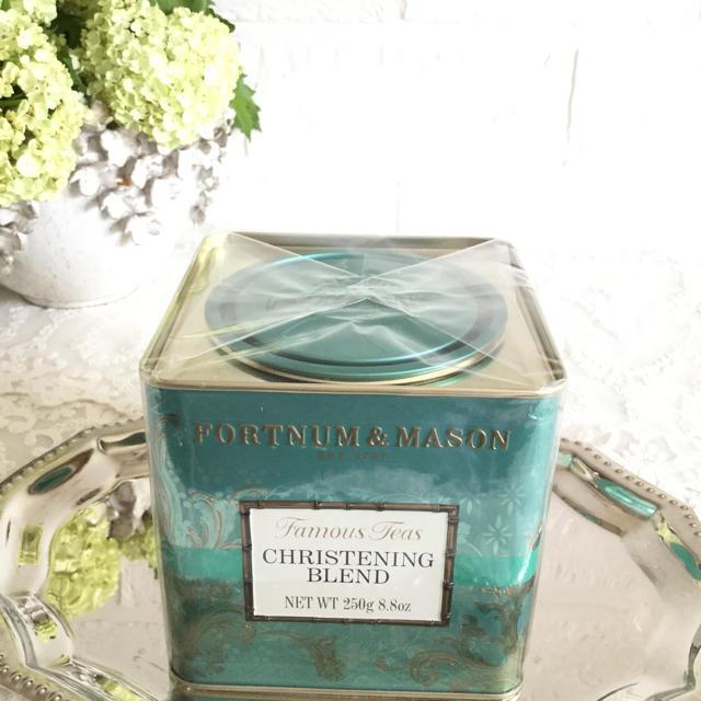 フォートナム&メイソンクリステニングブレンド250g FORTNUM&MASON 食品/飲料/酒の飲料(茶)の商品写真